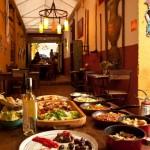 mais uma cena de pratos do buffet - foto ilustrativa porque o serviço é a la carte